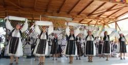 """Centrul Cultural Judeţean Arad prezintă adevărata situaţie a """"Praznicului de Pită Nouă"""" de la Beliu"""