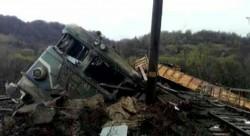 BREAKING NEWS ! Tren de marfă deraiat , cei doi mecanici au murit !