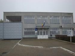 Un tânăr şi-a pus ştreangul de gât în penitenciarul din Arad