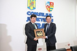 Ambasadorul Republicii Socialiste Vietnam, în vizită oficială la  Consiliul Județean Arad