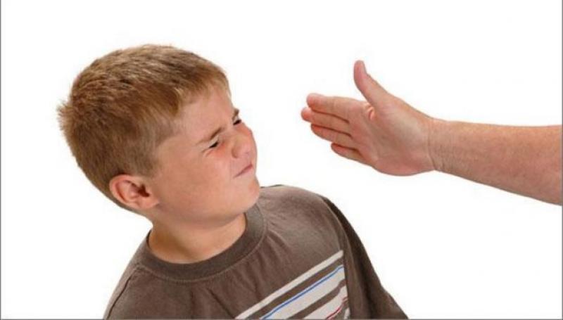 Caz ŞOCANT în Târgu Jiu! O mamă şi-a bătut copilul până i-a rupt coloana !