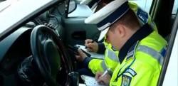 Un bărbat de 43 de ani prins de polițiști în timp ce conducea un autoturism neînmatriculat