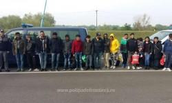 17 cetățeni străini opriți la frontieră din drumul ilegal spre Spaţiul Schengen