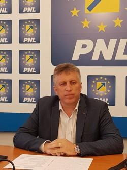 """Valentin Bot, primar PNL: """"Continuăm dezvoltarea comunei Șiria!"""""""