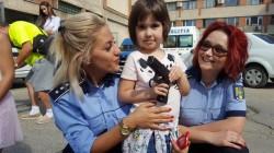 """Porți Deschise la IPJ Arad ! Preșcolarii de la Bambi au fost """"polițiști"""" pentru câteva clipe !"""