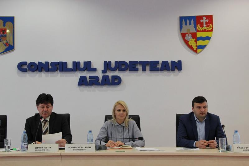 Bilanțul primului an al echipei Cionca-Bîlcea-Boghicevici la conducerea Consiliului Județean Arad