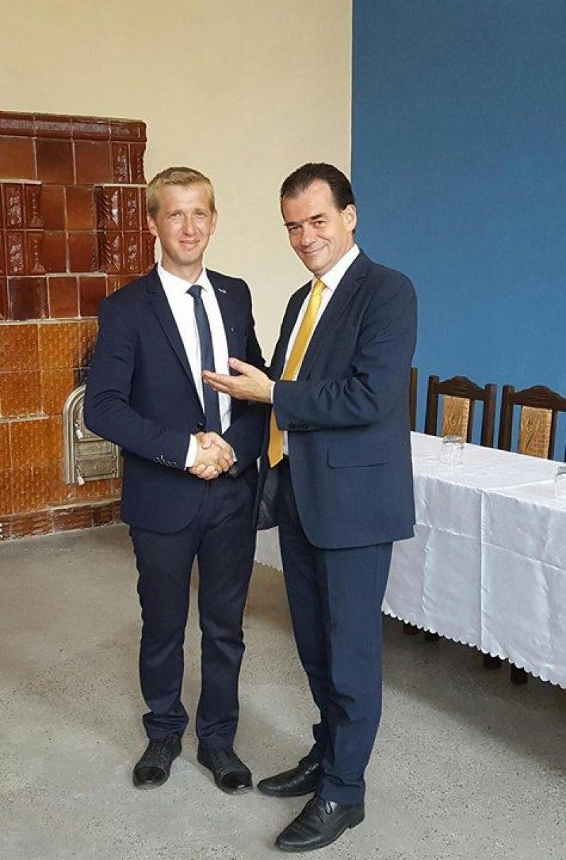 """Ludovic Orban, la Covăsânț: """"Îl susțin pe dl. Oneț, pentru că este un gospodar bun și un tânăr harnic, exact așa cum trebuie să fie un primar!"""""""