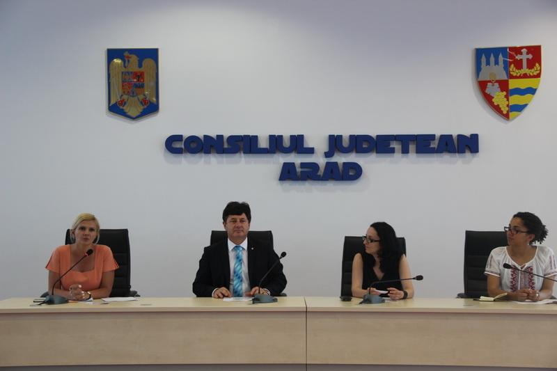"""""""Problematica tuberculozei şi nevoia de servicii de suport în comunitate pentru persoanele afectate de tuberculoză"""" – discutate timp  de două zile la Arad!"""