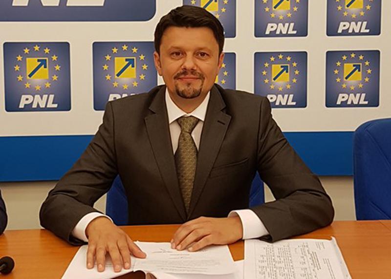 """Ionel Bulbuc (PNL): """"Mihai Fifor nu este economist, dar are filosofia banului!"""""""