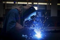 Școala Arădeană de Sudură a scos pe piața muncii a şaptea  promoţie de sudori
