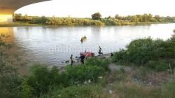FOTO Cadavrul unui bărbat scos din Mureș, joi seara în zona Alfa din Arad !