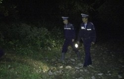 Misiune de căutare salvare în comuna Bata. Un bătrân împreună cu nepoţii rătaciţi în pădure