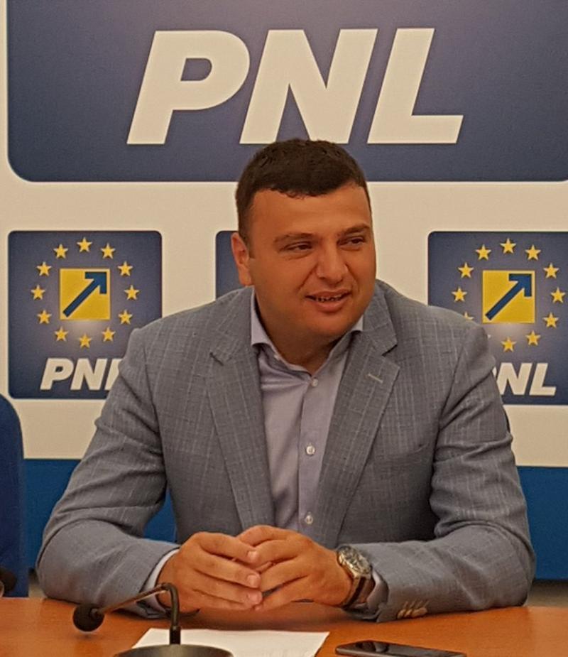"""Sergiu Bîlcea(PNL): """"Administrația PNL a demarat proiectul 100 de străzi pentru Arad"""""""