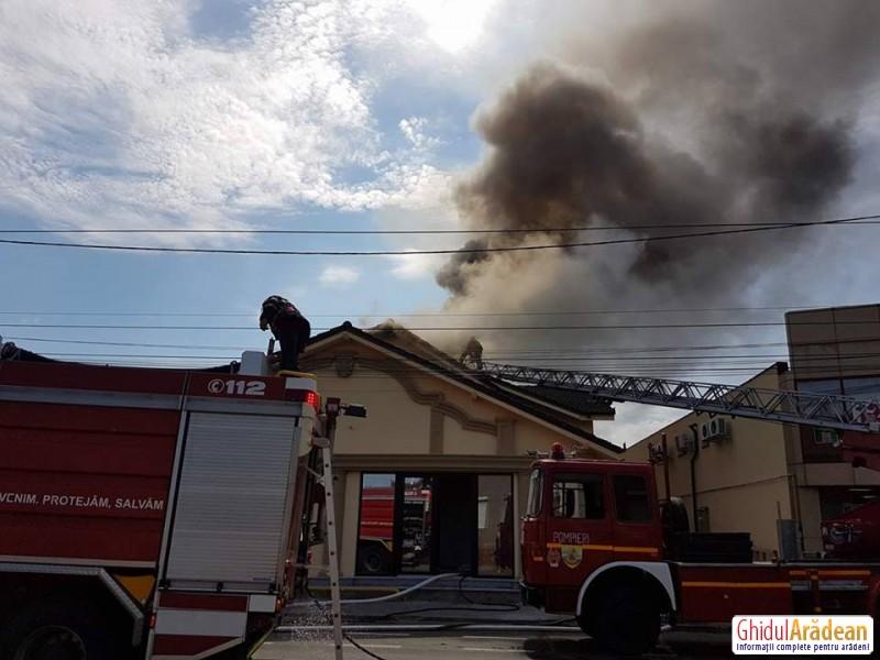Update: cauza incediunlui|Incendiu pe strada Cocorilor! O casă funerară a luat foc|Galerie FOTO-VIDEO
