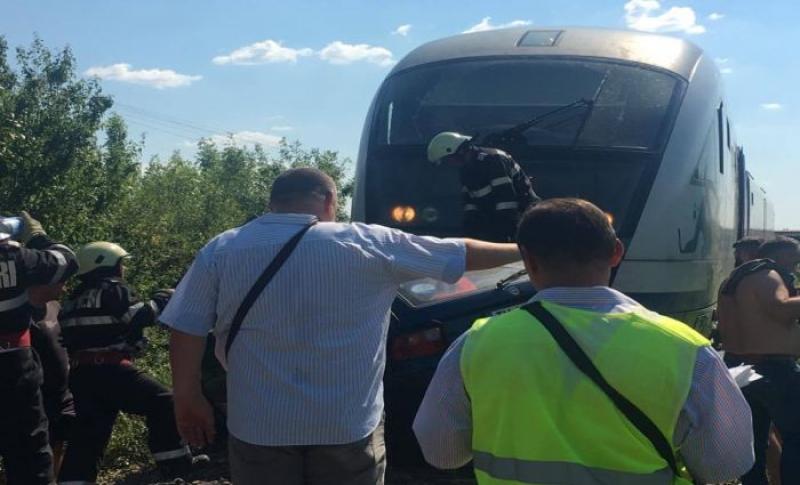 Accident feroviar îngrozitor ! O mamă și fiica ei de numai 3 anișori au trecut prin clipe de groază !