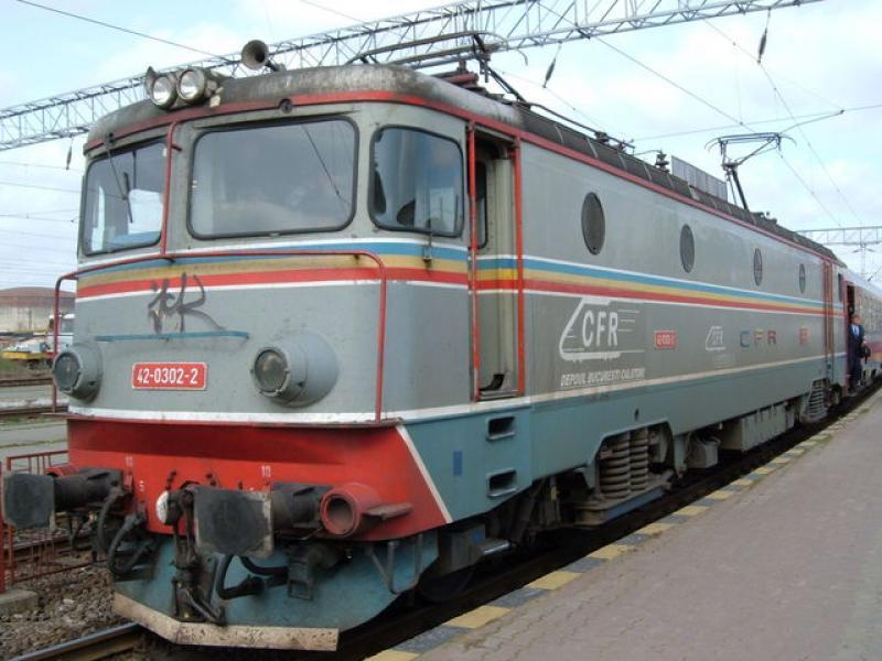 CFR scade viteza trenurilor cu 20-30 km/h