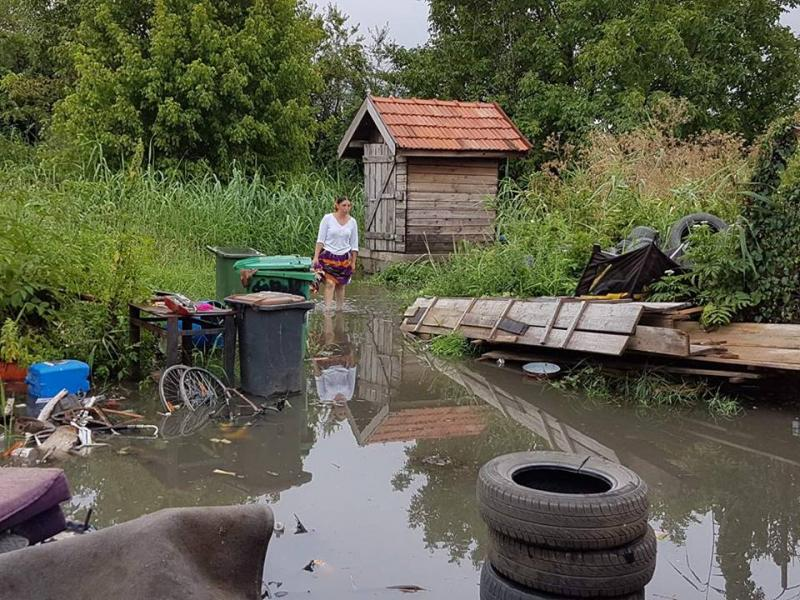 Telenovela politicianistă a canalului Mureşel îi loveşte din nou pe arădenii din Cadaş