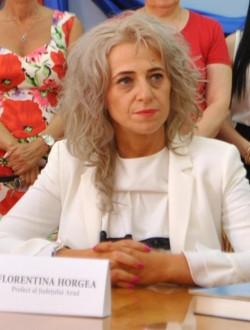"""Prefectul Județului Arad, Florentina Horgea, a fost învestit în funcție. Fifor, """"maistru"""" de ceremonii"""