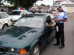 Tânăr de 18 ani prins la volan, fără carnet!