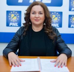 """Geanina Pistru (PNL): """"Ne onorărăm promisiunea față de arădeni! Reabilităm 100 de străzi în Arad"""""""
