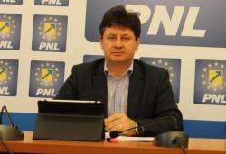 Război total între PNL şi PSD după împărţirea banilor de la Guvern! Află cum a intrat FUEGO în ecuaţia proiectelor nefinanţate din Arad!