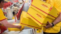 Un român angajat la DHL fura din pachetele ce trebuia să le ducă la destinație ! VEZI ce obiecte fura !