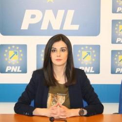 """Isabela Rabotka (PNL): """"Vărcuș minte! PSD taie  banii Aradului și aruncă vina pe cei care nu sunt la guvernare!"""""""