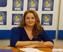 """Geanina Pistru (PNL): """"Lăcomia electorală a PSD pune în pericol festivalurile cu tradiție din județul Arad!"""""""
