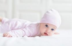 Ce haine pentru bebelusi nu trebuie sa-i lipseasca unui nou-nascut
