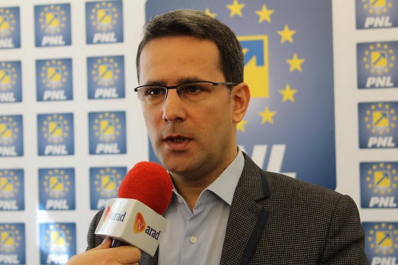 """Adrian Țolea(PNL): """"Așteptăm dizolvarea Consiliului Local Păuliș și demisia primarului Turcin"""""""