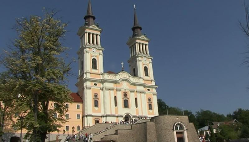 Mănăstirea Maria Radna a fost neîncăpătoare și în acest an.  AFLĂ minunile care se întâmplă după slujbă