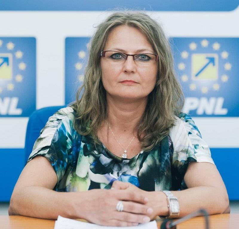 """Corina Crișan (PNL): """"Cursurile de prim ajutor în școli reprezintă un avantaj major pentru elevi!"""""""