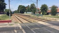 VIDEO ÎNFIORĂTOR ! O mamă s-a aruncat în fața trenului împreună cu cei trei copii ai săi ! AFLĂ ce a scris în biletul de adio
