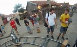Mascaţii au descins în Checheci! Kilograme de droguri şi sute de doze cu efect psihoactiv ridicate din bordeiurile ţigăneşti!