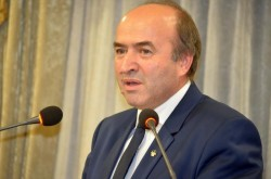 Tudorel Toader s-a răzgândit: Voi trimite proiectul pe legile justiției după ce se va exprima toată lumea