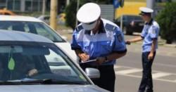 Tânăr fără carnet şi cu maşina neînmatriculată având numere false,  depistat de Poliţişti pe strada Cocorilor