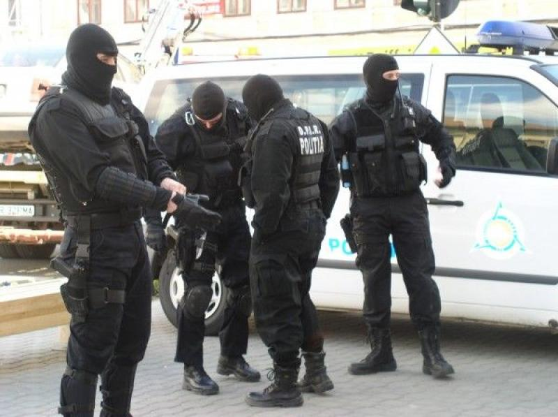 Român, arestat pentru TERORISM! Intenţiona să bombardeze forţele MAI