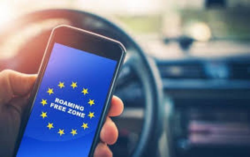 Companiile de telefonie mobilă din România îşi lasă clienţii fără beneficiile ROAMING