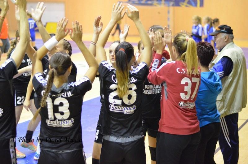 Echipa de handbal a Crișului a spart gheața: 26-23 cu Mureșul Tg.Mures. Primul succes din istoria clubului!