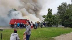 Incendiu de proporţii la Timisoara, coloana de fum se vede de la câţiva km