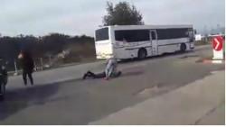 ÎNFIORĂTOR ce s-a întâmplat în trafic ! Un șofer a fost bătut și lăsat inconștient pe șosea