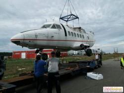Povestea avionului abandonat 7 ani pe aeroportul din Arad