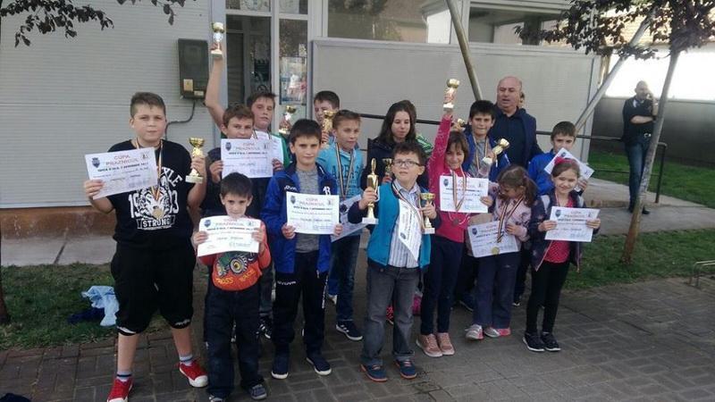 Șahiștii de la Palatul Copiilor premiați la Pecica