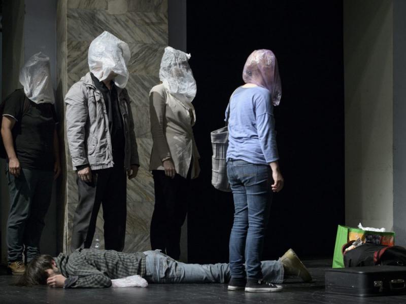 Actori arădeni pe scena bucureșteană. Coproducția EXIT se joacă în cadrul  Platformei Internaționale de Teatru București #4