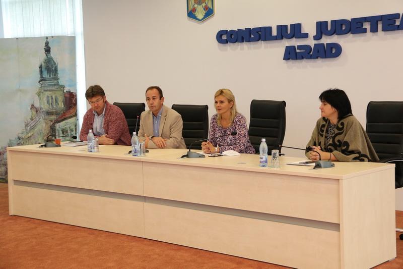 """Claudia Boghicevici: Consiliul Județean a pus în dezbatere fenomenul enduro în județul Arad"""""""