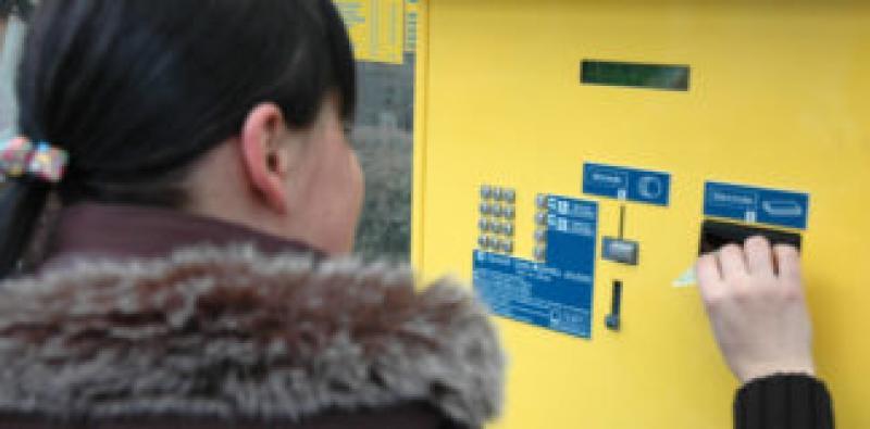 CTP instalează noi automate de bilete în staţiile de tramvai