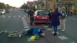 Accident grav! Biciclist acroşat în cartierul Confecţii