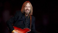 Legenda muzicii rock americane, Tom Petty, a murit!