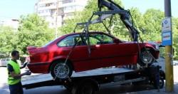 Maşinile parcate neregulamentar vor fi ridicate de către autorităţi. Află totul despre noile reglementări!