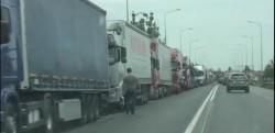 Frontiera de Vest, blocată de camioane! Coada de la Vama Nădlac se întinde până în Pecica